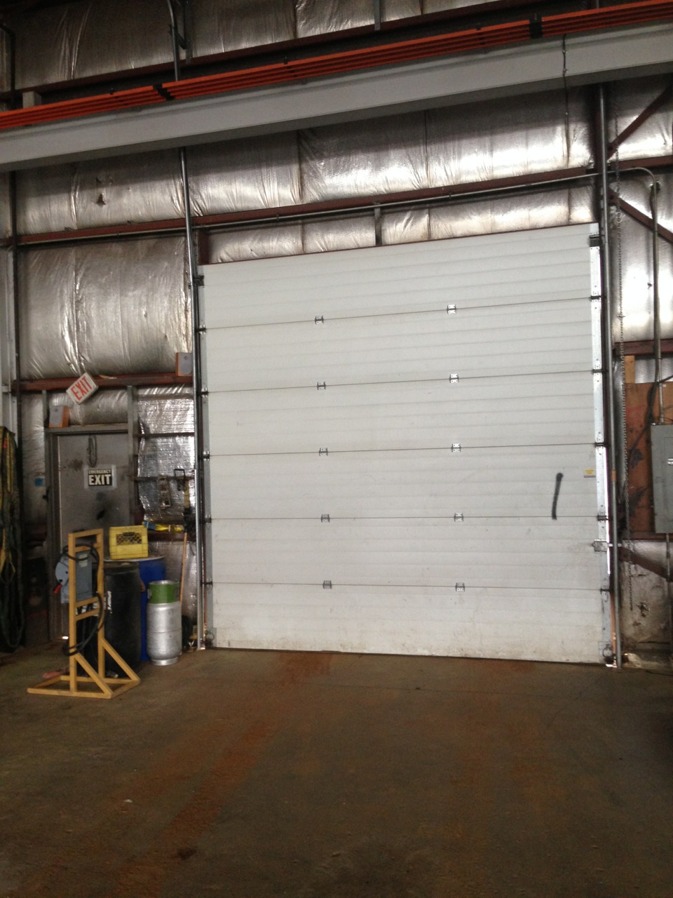 Overhead Cranes Nisku : Warehouse with crane leased lizotte